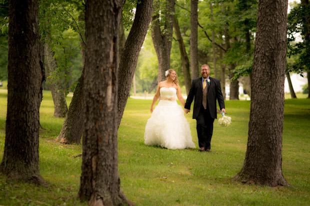 pittsburgh-backyard-wedding-photo-16