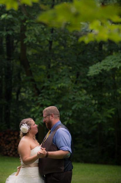 pittsburgh-backyard-wedding-photo-52