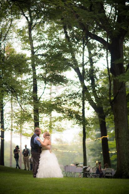 pittsburgh-backyard-wedding-photo-54